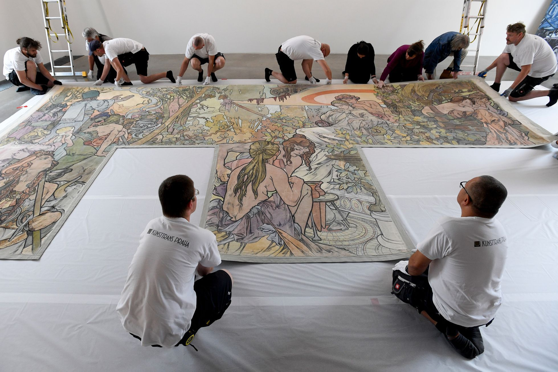 Alfons Mucha Obraz Instalace KUNSTTRANS PRAHA